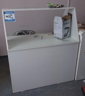 Продам стол - ресепшн белого цвета - состояние б.у. - без дефектов. Лицевая стен. Чернигов, Черниговская область. фото 2
