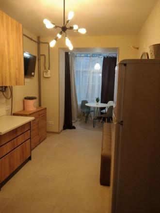 Продам шикарную квартиру с большой кухней, комнатой, гардеробной, двумя балконам. Ирпень, Ирпень, Киевская область. фото 7