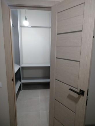 Продам шикарную квартиру с большой кухней, комнатой, гардеробной, двумя балконам. Ирпень, Ирпень, Киевская область. фото 12
