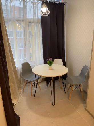 Продам шикарную квартиру с большой кухней, комнатой, гардеробной, двумя балконам. Ирпень, Ирпень, Киевская область. фото 8
