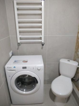 Продам шикарную квартиру с большой кухней, комнатой, гардеробной, двумя балконам. Ирпень, Ирпень, Киевская область. фото 10