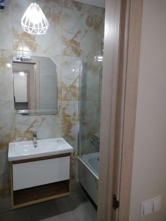 Продам шикарную квартиру с большой кухней, комнатой, гардеробной, двумя балконам. Ирпень, Ирпень, Киевская область. фото 11
