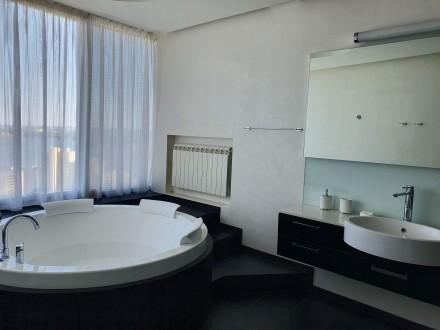 4 комнатная квартира Мост Сити с ремонтом Панорамный вид на Днепр.  Этаж - 18. Центр, Днепр, Днепропетровская область. фото 14