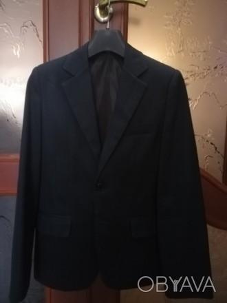 Пиджак для школы из костюмной ткани, хорошее состояние, цвет темно-серый, на рос. Дружковка, Донецкая область. фото 1