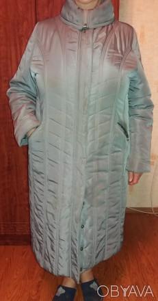 Продам добротное женское демисезонное (но довольно таки теплое) пальто (внутри п. Чернигов, Черниговская область. фото 1