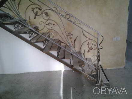 Изготовляем лестницы, перила, садовая мебель, решетки на окна, навесы и многое д. Днепр, Днепропетровская область. фото 1