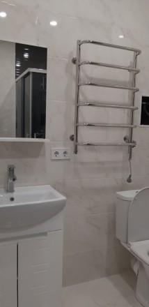 Уютная, светлая квартира. Зонально поделена так, что смотрится как двухкомнатная. Молдаванка, Одесса, Одесская область. фото 4