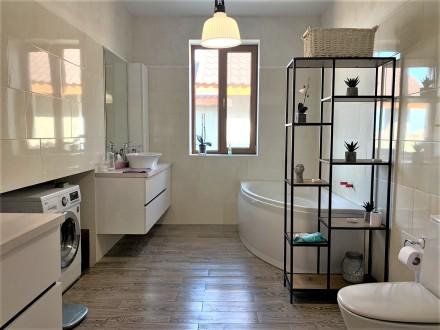 Продам 2-х этажный современный новый дом,240 кв.м.,расположенный на 5-ти сотках . Черноморка, Одесса, Одесская область. фото 12