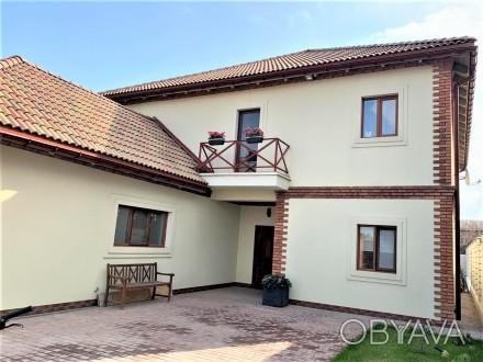 Продам 2-х этажный современный новый дом,240 кв.м.,расположенный на 5-ти сотках . Черноморка, Одесса, Одесская область. фото 1