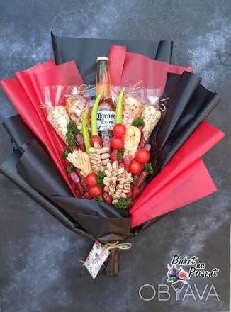 Мужской съедобный букет с колбасками и пивом Corona Extra в Днепре