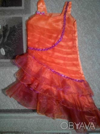 Платье нарядное девочке 5 - 6 лет