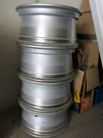 Оригинальные диски Mitsubishi L200  в идеальном состоянии почти без пробега. Но. Киев, Киевская область. фото 3