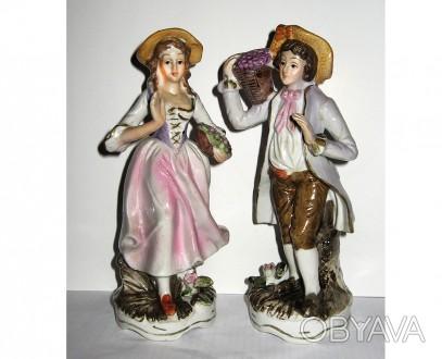 Старинные фарфоровые статуэтки , пара, дама кавалер, клеймо, фарфор