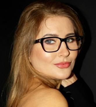 Девушка модель на косметические процедуры киев как завоевать девушку на работе