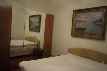 Квартира в сердце города , светлая , просторная  2 санузла лифт под офис или . Печерск, Киев, Киевская область. фото 3