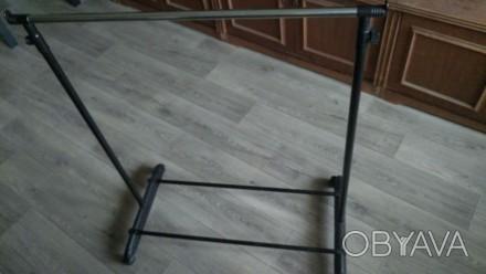 Телескопическая напольная стойка вешалка для одежды