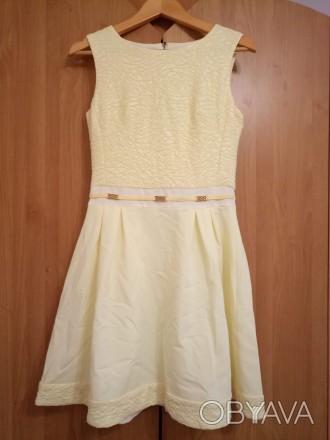 Плаття сукня яскраво-жовта
