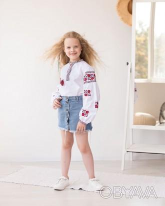 Вышитая блузка для девочки с длинным рукавом и цветочным орнаментом «Розочки»