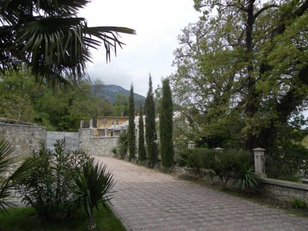 Продаётся элитный дом в Массандре (район Ялты) площадью 680м2. Дом после полной . Массандра, Ялта, Крым. фото 2