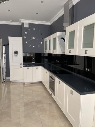 Продается стильная 1 комнатная квартира в ЖК «Изумрудный» на ул.Гене. Соломенка, Киев, Киевская область. фото 2