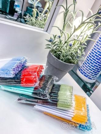 Патчи, микробраши, щеточки, материалы для наращивания ресниц