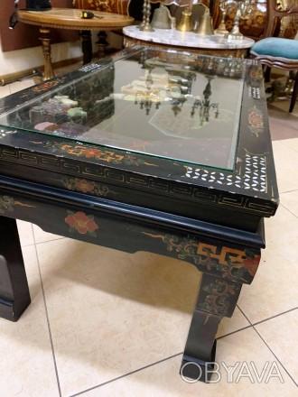 Старинный столик в китайском стиле шинуазри