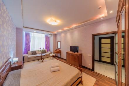 Просторная 1-комнатная квартира, выполнена в современном стиле и расположена на . Малый Фонтан, Одесса, Одесская область. фото 5