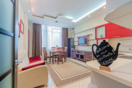 Просторная 1-комнатная квартира, выполнена в современном стиле и расположена на . Малый Фонтан, Одесса, Одесская область. фото 6