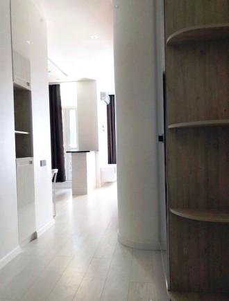 Приятная студия выполнена в современном стиле и расположена на 5 этаже 23-этажно. Малый Фонтан, Одесса, Одесская область. фото 9