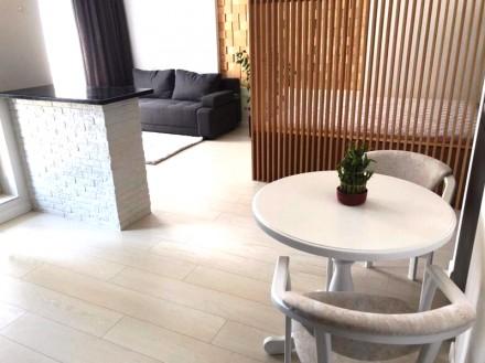Приятная студия выполнена в современном стиле и расположена на 5 этаже 23-этажно. Малый Фонтан, Одесса, Одесская область. фото 8