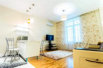 Светлая студия выполнена в современном стиле и расположена на 8 этаже 23-этажног. Приморский, Одесса, Одесская область. фото 5