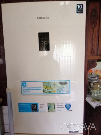 Холодильник Samsung. Марка - RB29FEJNDEF