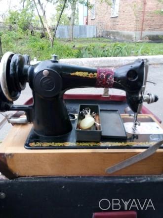 Продам швейную машинку