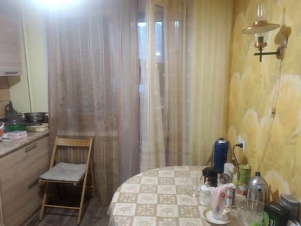 Квартира тёплая, не угловая. Окна в тихий двор. Во дворе школа, садик, рядом кав. Днепр, Днепропетровская область. фото 9