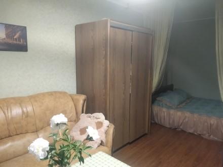 Квартира тёплая, не угловая. Окна в тихий двор. Во дворе школа, садик, рядом кав. Днепр, Днепропетровская область. фото 4