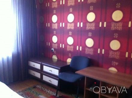 здається кімната в 2-х кімнатній квартирі, друга кімната закрита , господарі в к. Центр, Тернопіль, Тернопільська область. фото 1