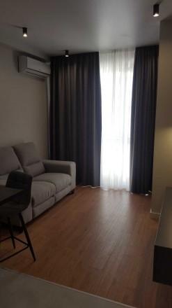 Стильная уютная квартира с шикарным современным ремонтом, расположена на 11/16эт. Голосеево, Киев, Киевская область. фото 13