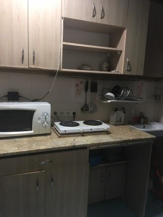 2 кім в гуртожитку  Хороший стан  Меблі  Холодильник  Кухня своя  Санвузол . Тернопіль, Тернопільська область. фото 2