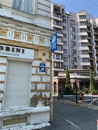 Продажа квартиры в жилом доме по ул. Гоголевская. 1-й этаж, 3 кабинета. Квартира. Центр, Киев, Киевская область. фото 3