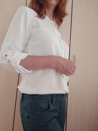 Белая стильная блузка - рубашка с серебристыми пуговицами  H&M. Мукачево, Закарпатская область. фото 2