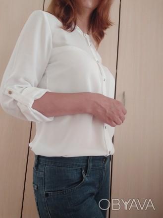 Белая стильная блузка - рубашка с серебристыми пуговицами  H&M. Мукачево, Закарпатская область. фото 1