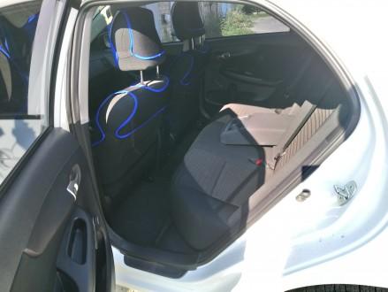 Продам авто Toyota Corolla, выпуск ноябрь 2012 года, была куплена в автосалоне Д. Верхнеднепровск, Днепропетровская область. фото 5