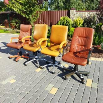 Крісла офісні для персоналу. Ціна крісел посередині 3000, по боках 4500 грн. Н. Львов, Львовская область. фото 4