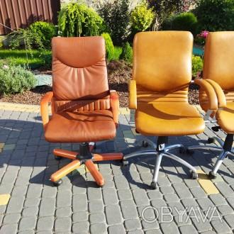 Крісла офісні для персоналу. Ціна крісел посередині 3000, по боках 4500 грн. Н. Львов, Львовская область. фото 1