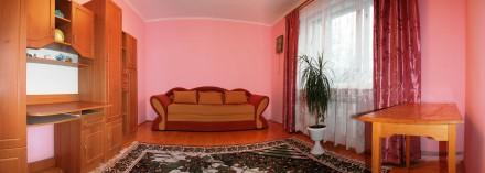 На першому поверсі — обладнана кухня, кімнати господарів, санвузол (туалет, умив. Сколе, Львовская область. фото 6