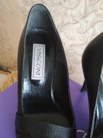 Кожаные женские туфли в отличном состоянии на каблуке черные фабричные носились . Чернигов, Черниговская область. фото 4