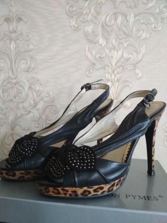 Кожаные женские босоножки на высокой платформе и каблуке фабричные б/у 37 размер. Чернигов, Черниговская область. фото 2