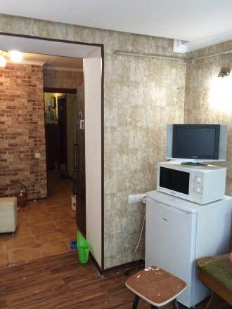 СВОЮ .три раздельные комнаты в хорошем месте ,большая гардеробная,санузел раздел. Одесса, Одесская область. фото 6