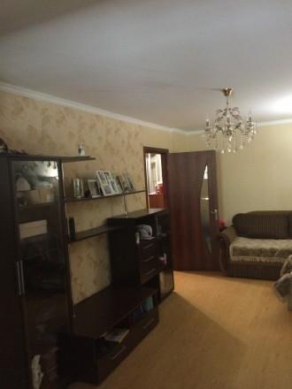 СВОЮ .три раздельные комнаты в хорошем месте ,большая гардеробная,санузел раздел. Одесса, Одесская область. фото 3