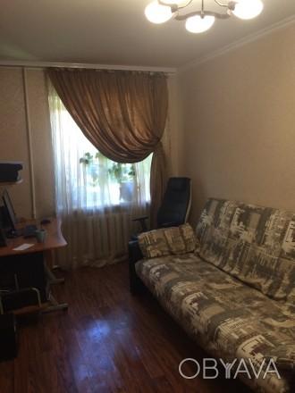СВОЮ .три раздельные комнаты в хорошем месте ,большая гардеробная,санузел раздел. Одесса, Одесская область. фото 1
